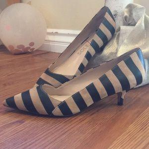 Classy chic, BRAND NEW black & tan kitten heels